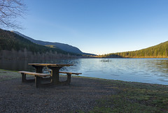 Nice place for a picnic (s.d.sea) Tags: rattlesnake lake north bend washington washingtonstate pentax pnw pacificnorthwest park beach water winter cold frost chilly sunny sun clear blue sky wood mountains landscape k5iis 15mm wide angle seattle eastside calm ripple
