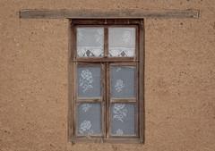 mazi yatar kapalı camlar ardında (frknblr) Tags: curtain perde lace old motif dantel beyşehir konya sonsuz şükran eflatun pınarı türkiye turkey canon nature water blue white window wall wood