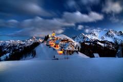 Lussari Twilight 1 (hapulcu) Tags: montelussari alpen alpes alpi alps friuli giulia italia italie italien italy julian tarvisio hiver invierno winter