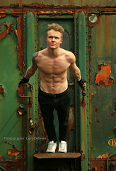 IMG_9683h (Defever Photography) Tags: male model fit train baasrode belgium green sixpack shredded chest 6pack