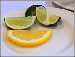 Limes & Lemons - Photo by STEVEN CHATEAUNEUF - April 1, 2018 - Editing Was Done On April 9, 2018 (snc145) Tags: fruit citrus limes lemon table dishes food stilllife photo editedimage stevenchateauneuf april12018 april92018