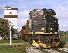 Baldur MB Wednesday September 20th 2000 0948CDT (Hoopy2342) Tags: train rail railway railroad smnr southernmanitobarailway baldur man manitoba elevator mlw mlwbombardier prairie