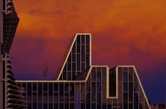 Palacio de congresos (portalealba) Tags: zaragoza zaragozaparque aragon españa spain sunset nwn nubes portalealba pentax pentaxk50 1001nights 1001nightsmagiccity 1001nightsmagicwindow coth5