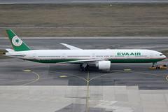 EVA Air Boeing 777-35EER B-16708 (c/n 33752) (Manfred Saitz) Tags: vienna airprot schwechat vie loww flughafen wien eva air boeing 777300 773 b773 b16708 breg