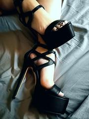 IMG_20180108_130415 (bir90) Tags: highheels heels sexyshoes sexyfeet femalefeet footfetish
