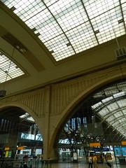 160624 LeipzigConcourse (68) (Transrail) Tags: station railway train concourse platform leipzighbf leipzig deutschebahn roof arch stone gallery