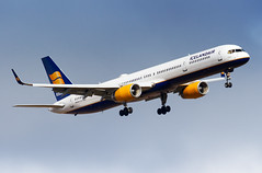 TF-FIX Icelandair Boeing 757-308 (buchroeder.paul) Tags: bikf kef keflavik international airport iceland final tffix icelandair boeing 757308