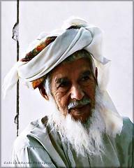old man in Oman (gabi lombardo) Tags: man uomo vecchio old alt oman bart barba beard turbante turban ritratto portrait
