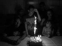Gabriel's 18th birthday party, SCS, SP, Brazil. (eROV65) Tags: family família scs sp brasil aniversário 18anos birthdayparty festa party feriado holiday emcasa athome cake bolo bnw blackandwhite