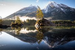 Hintersee (Chris Buhr) Tags: hintersee natur landschaft landscape reflexion spiegelung see lake mountains berge berg wald outdoor tree rock felsen leica blue reflection