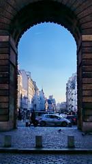 551 Paris en Février 2018 - la Porte Saint-Martin et la rue Saint-Martin (paspog) Tags: paris france février februar february 2018 portesaintmartin ruesaintmartin