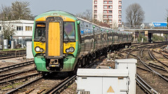 377451 (JOHN BRACE) Tags: 2003 bombardier derby built electrostar class 377 emu 377451 seen east croydon station southern livery