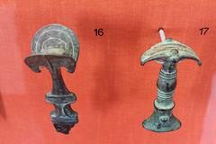 Deutsches Klingenmuseum, Solingen (arry_katze) Tags: deutschesklingenmuseum solingen museum germany antike ancientworld bronzezeit bronzeage griff grip fächergriff fangrip