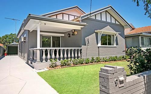 9 Earle Av, Ashfield NSW 2131