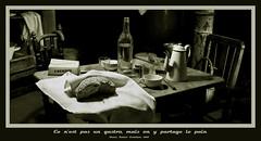 Le repas (Terra Pixelis) Tags: nikond810 alsace hautrhin 68 écomusée ungersheim pain miche bouteille tasse table chaise sucre boite verre planche couteau panier poteau canne serviette