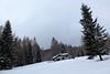 casette dopo Zoppè (Tabboz) Tags: montagna neve nuvole cima panorama ciaspole cielo sentiero salita valzoldana vetta rifugio bosco