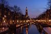 J72_3950_LR_jwe_20180321-2 (jwendekamm) Tags: amsterdam netherlands niederlande prinsengracht westerkerk blauestunde bluehour lichter lights spiegelungen wasser boote water abend abendstimmung