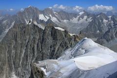 Massif du Mont-Blanc (Yann Brilland) Tags: hautesavoie massif montblanc montagne randonnée aiguilledumidi paysages alpes