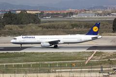 A321 D-AIRO Lufthansa esperando para despegar de Barcelona (Dawlad Ast) Tags: barcelona cataluña catalunya españa spain marzo march 2018 aeropuerto internacional international airport el prat ebl avion plane airplane aircraft airbus 321131 dairo lufthansa sn 563 a321 321