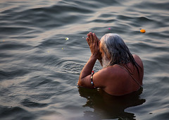 """Morning Ablutions In The Ganges (El-Branden Brazil) Tags: varanasi india indian ganges ganga ceremony hindu hinduism asian asia sacred holy mystical """"south asia"""" sadhu"""