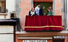 Spain: Granada spectators (Henk Binnendijk) Tags: granada andalucia andalucía andalusia spain spanje españa people street candid spectators semanasanta holyweek balcony