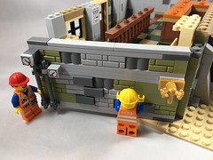 2018-110 - Walled In (Steve Schar) Tags: 2018 wisconsin sunprairie iphone iphone6s project365 lego minifigure emmet build builder masterbuilder brick bricks wall hinge modular