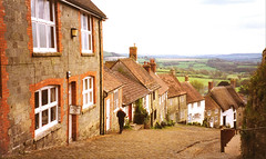 Hovis Hill (Explored) (M McBey) Tags: shaftesbury england dorset advert hovis gold hill thatch cobbles