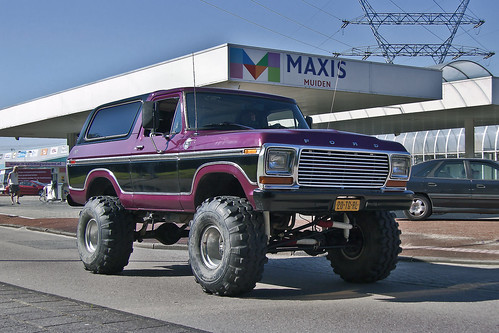 Ford Bronco Ranger 4x4 Customized Show Car 1980 (1616)