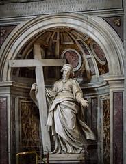 Statue der Hl. Helena mit dem Wahren Kreuz (Markus Wollny) Tags: city vatikan rom cittàdelvaticano vatikanstadt it