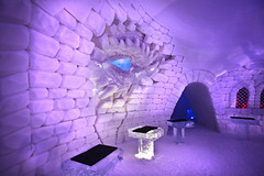 A MAGICAL WORLD OF ICE AND SNOW - The Ice Bar - (shoot it!) Tags: hotel icehotel finland lapland suomi februari 2018 snow sneeuw snowvillage naturalice snowhotel arcticcircle arctic poolcirkel winter rooms chapel bar icebar yllas levi skiresort snowmobile sculpture sculptors hbo gameofthrones freezing cold koud