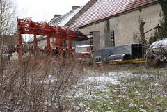 UNIC ESTEREL ET VW COMBI SPLIT (gege2cv) Tags: unic vw volkswagen epave rouille camion truck oldtruck transporter split t1 combi esterel 60 abandonnée abandoned h