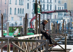 DSCF9765.jpg (Caffe_Paradiso) Tags: venice venezia venise grandcanal gondolier