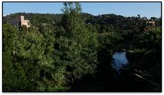 El Congost amb gust de Nocilla, Montmeló (el Vallès Oriental) (Jesús Cano Sánchez) Tags: elsenyordelsbertins fujifilm xq1 catalunya cataluña catalonia barcelonaprovincia valles vallesoriental montmelo riu rio river nocilla fabrica torre tower