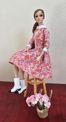 Dress (jenniffervalverde) Tags: mattel integritytoys fashionroyalty poppyparker gosee barbie diorama scale16 mtm madetomove