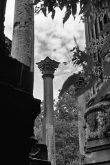 DMAFR Day 2 (19) (momentspause) Tags: mississippi roadtrip canon5dmkiii canonef50mmf18 blackandwhite bw blackandwhitephotography ruins sky column