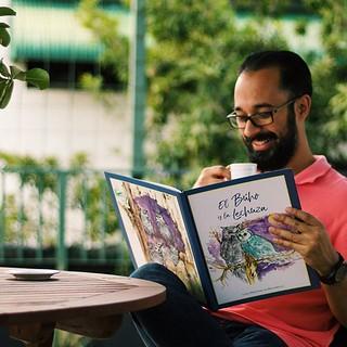 Día Nacional del Café ☕️ viendo el otro libro que tuve la oportunidad de diseñar. El Búho y la Lechuza  un cuento para niños que habla de la relación de amistad entre dos especies diferentes aunque pertenecientes a la misma familia. #juanjoonthemove