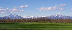 Il mio orizzonte (stefano.chiarato) Tags: orizzonte montagne mountains parcodimonza monza lombardia italy pentaxart pentax pentaxlife pentaxk70 paesaggio