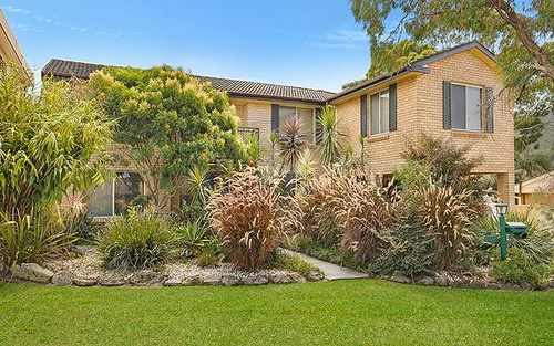 8 St Marks Cr, Figtree NSW 2525