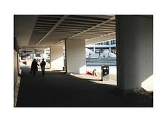 56745234242 (Melissen-Ghost) Tags: strasenfotografie street photography germany deutschland fujifilm fuji x100f grain filmsimulation simulation classic chrome color people candid shadow light architecture bauhaus university concrete