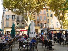 Aix-en-Provence, France (maradesbois79) Tags: aixenprovence placedelhoteldeville place terrasses terrassesdecafe cafeterraces arbres trees gens people provence france parasol tables chaises chairs panasonic lumix gm5