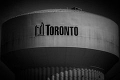 Toronto (A Great Capture) Tags: sign tower bw blackandwhite watertower toronto agreatcapture agc wwwagreatcapturecom adjm ash2276 ashleylduffus ald mobilejay jamesmitchell on ontario canada canadian photographer northamerica torontoexplore winter l'hiver 2018 ef85mm city downtown lights urban cityscape urbanscape eos digital dslr lens canon 70d outdoor outdoors streetphotography streetscape photography streetphoto street calle