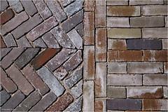Street Photography (Hindrik S) Tags: stone brick stien steen klinker klinkert patroan patroon verband ferbân sonyphotographing sony sonyalpha sony1650mmf28dtssm alpha sal1650 2018 street straat strjitte strasse