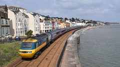 43002 pushing the 1101 Penzance- Paddington through Dawlish (Hoovering_crompton) Tags: 43002 sir kenneth grange class 43 253001 intercity 125 hst high speed train mtu dawlish diesel locomotive sun sea wall devon nikon d3300