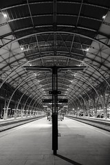 2018-03-26_11-41-42 (xskyven) Tags: praha architektura nadrazi street trainstation train architecture