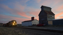 Evening Northbound at Castle Rock (Christopher J May) Tags: train railroad bnsf grainelevator castlerock colorado co jointline evening sunset sky