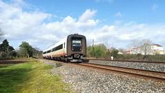 Dias primaverales (javivillanuevarico) Tags: renfe ferrocarril 594001
