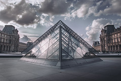 Louvre (marcelo.guerra.fotos) Tags: louvre paris europe culture historicpreservation historic museum france architecture antique architect beautiful cool nikon