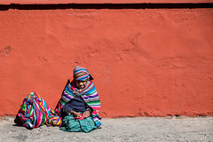 Colored but sade ! (poupette1957) Tags: art atmosphère abandonné canon city curious colors costumes color couleur detail deco guatemala antigua humanisme imagesingulières life lady old photographie people portrait rue street town travel urban ville voyage view