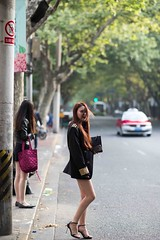 20180421-BX6I9681 (mika #) Tags: china shanghai shanghaishi cn canon girls 85mm f12 heels streets urban skirts hairs night club stockings women candid colors 1dxmarkii