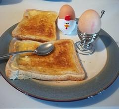 Breakfast (daveandlyn1) Tags: egg toast eggcups spoon plate smartphone huawei pralx1 dippyegg p8lite2017 cameraphone psdigitalcamera
